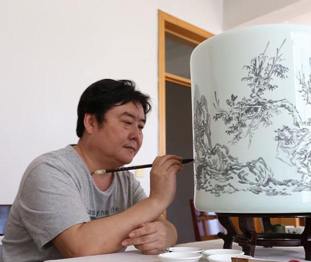 李杰人物画——笔墨朦胧意蕴生,闲对茶经忆古人