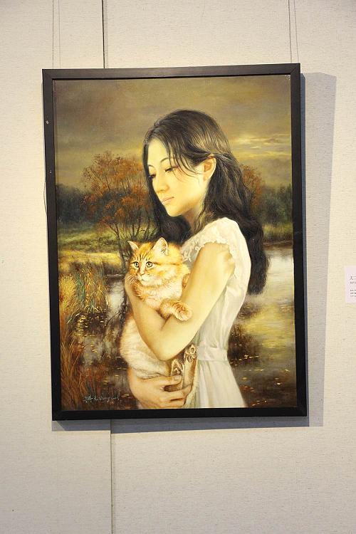 职业画家 仉兴元  无二·独一的你油画展《抱猫少女》